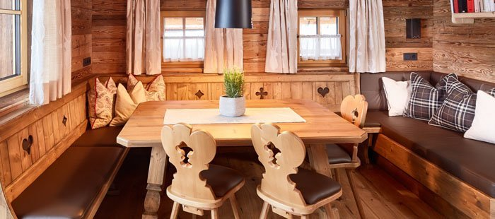 wandern urlaub promi almdorf chalet flachau 4 tage reise. Black Bedroom Furniture Sets. Home Design Ideas