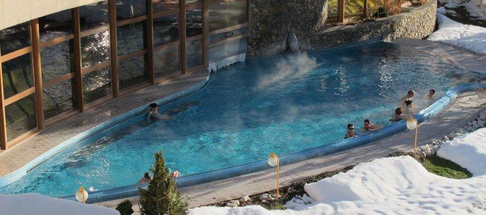 Hotel Schweiz Pool Berge Blick Wellness